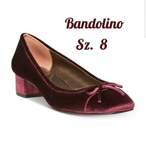 NWOT. Bandolino Wine Block Heel Pump w/Bow Accent!